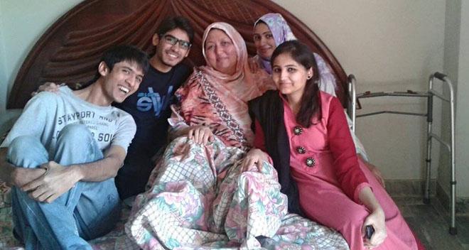 Nasrin Fatima with volunteers