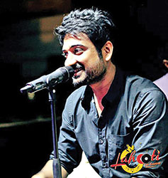 The force behind Lahooti Live Sessions, Saif Samejo performs with his own band, The Sketches