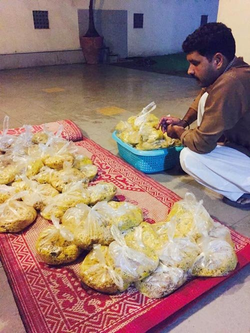 The beauty of Rizq, whose slogan is 'Share Food, Feed Happiness,' is that its work is actually quite simple.