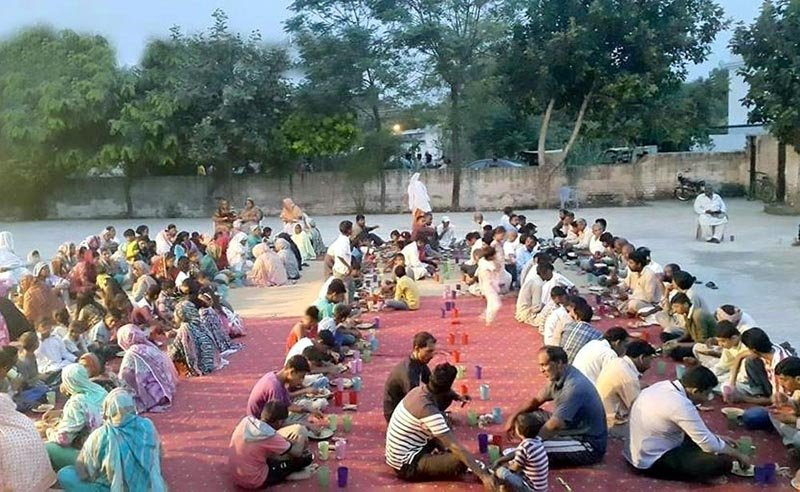 The idea is not just to combat food wastage but also to promote healthy dietary habits in underprivileged areas of Lahore.