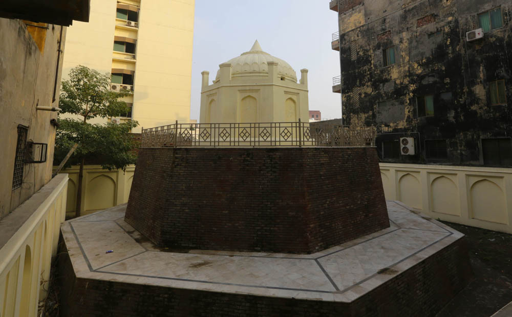 The 100-year-old French tomb on Lake Road, Old Anarkali, in Munshi Chamber,  also faces extinction.