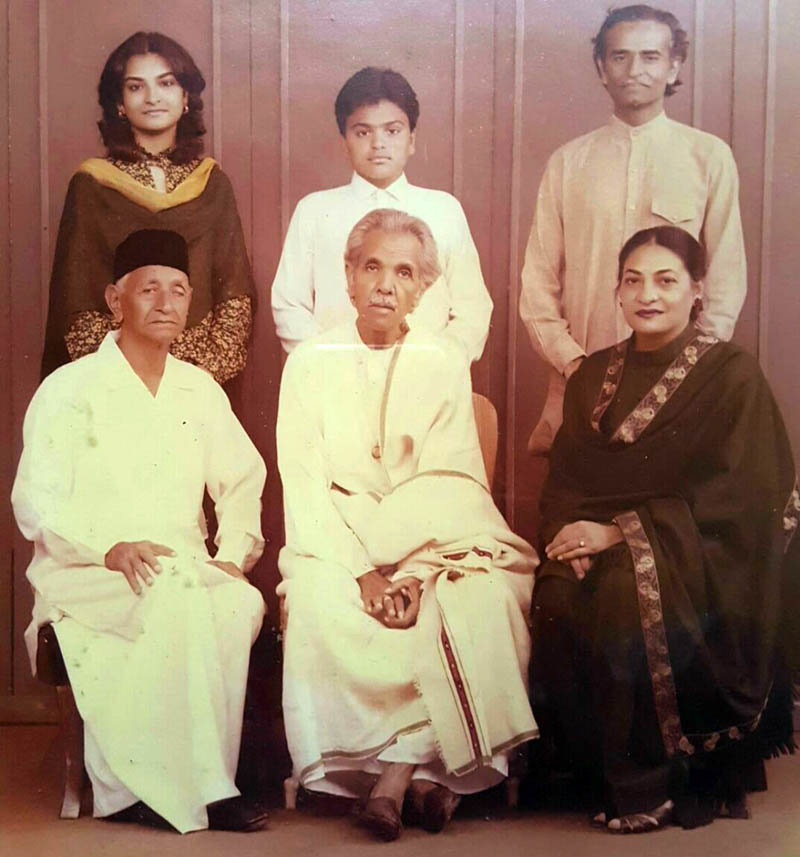 (From left to right Sitting) Ustad Tufail Khan Narowali  (Tabla Nawaz) Ustad Chote Gulam Ali Khan and Samina Hasan Syed, (Standing) Risham Syed, Rasaal Hasan Syed and Najm Hosain Syed.