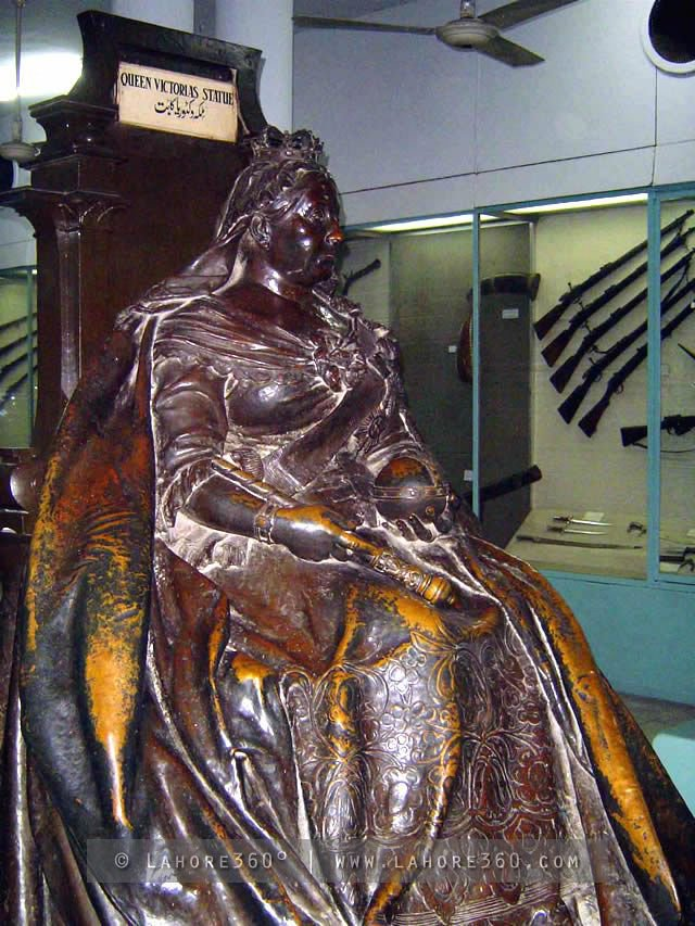 Queen Victoria statue lying in the Lahore Museum.