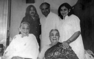 Uzra Butt, Zohra Saigol, Sajoy Roy, Shahid Nadeem and Madeeha Gauhar in 'Aik Thee Nani' in Delhi, 1999.