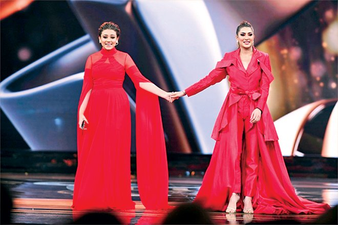 In a segment celebrating sisterhood, Mehwish Hayat and Zara Noor Abbas came out in the same colour - something two stars would generally not be seen doing. They also presented the first set of awards for fashion.