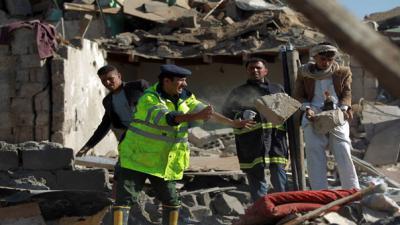 Air strikes kill 15 Yemeni rebel troops: military source