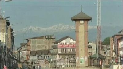 Shutdown in occupied Srinagar against desecration of historic mosque