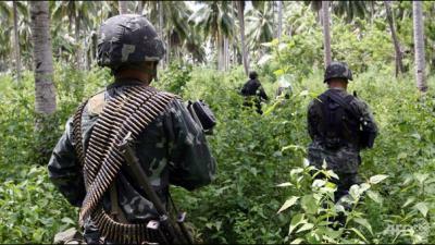 Philippine soldier kills 5 at prayer meeting