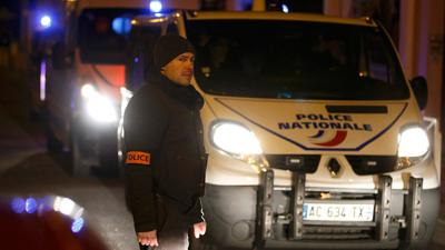 Object 'resembling' explosives belt found in Paris suburb