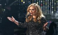Adele tops Billboard, Rihanna's million 'Anti' giveaway ineligible