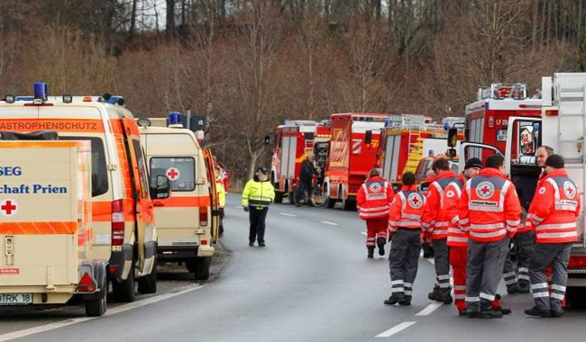Nine dead, over 100 hurt in German train crash