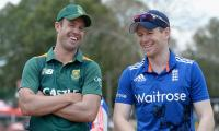 England bat against South Africa in 3rd ODI
