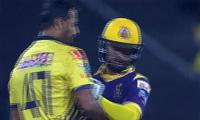 Wahab Riaz, Ahmed Shahzad get physical at PSL match