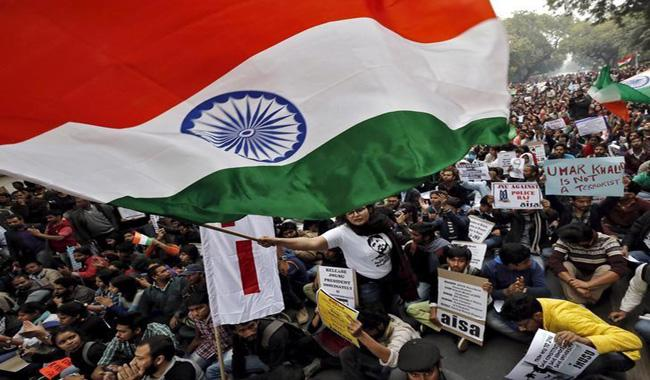 India orders universities to display large flags