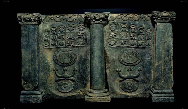 Pakistan gets back stolen ancient Buddhist sculpture from US