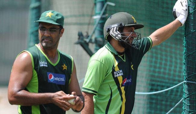 Waqar blames Afridi for green shirts consistent defeats