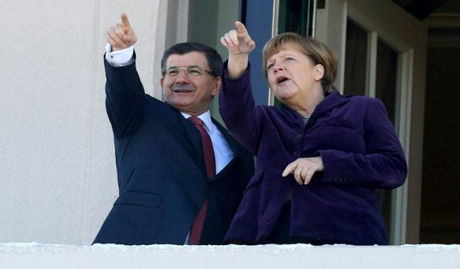 Germany expects Turkey to honour EU migrants pact after PM exit