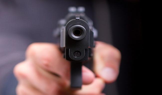 Two traffic wardens shot dead in Karachi