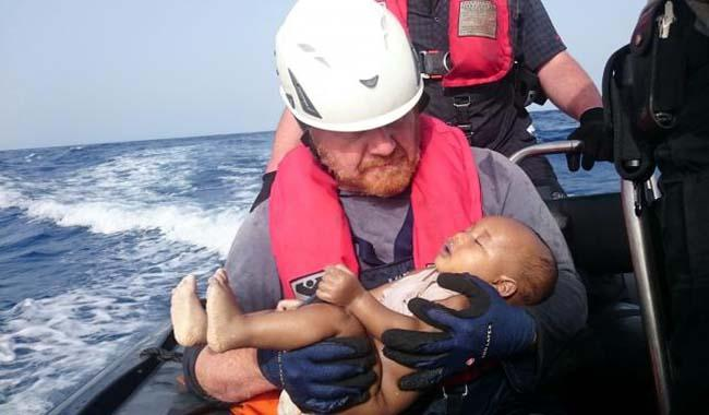 Drowned baby picture captures week of tragedy in Mediterranean
