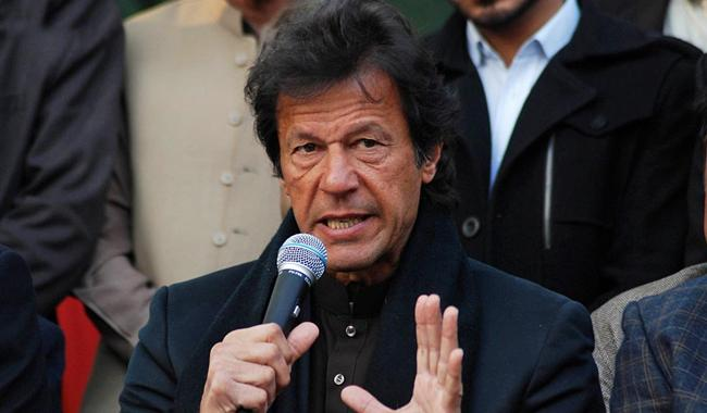 If army comes into power in Pakistan, people will distribute sweets: Imran