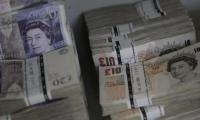 Pound continues slide on forex markets
