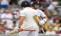 Root and Woakes turn the screw on Pakistan