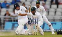 Ruthless England turn the screw on Pakistan
