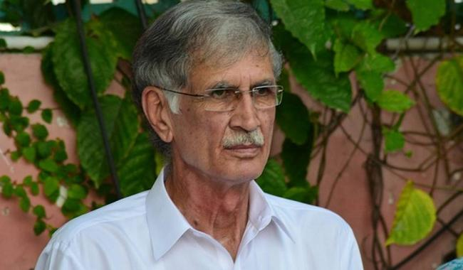 Khattak concedes failure of KP govt in bringing about 'change'