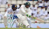 Usman Khawaja, Steve Smith steer Aussies to 66-2 at tea