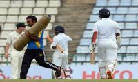 Sri Lanka lose Perera after Australia grab handy lead