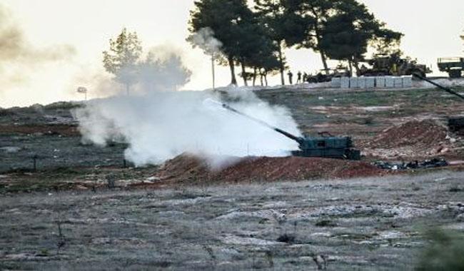 Turkey strikes IS as Syria border tensions flare