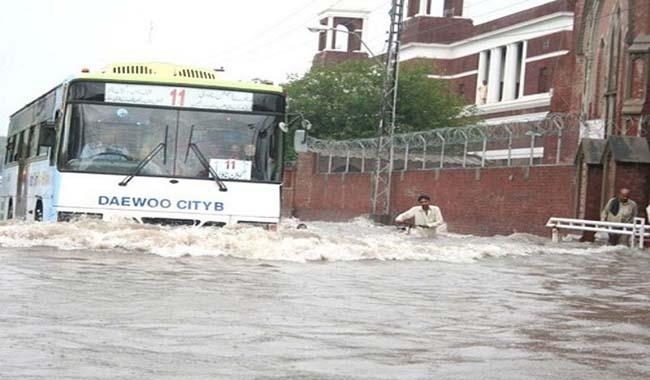 Heavy rainfall continues to lash Lahore