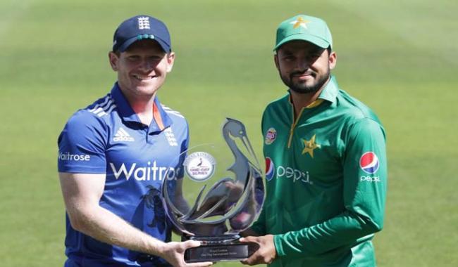Yasir in, Hafeez out; Pakistan win toss and bat