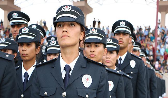 Turkey allows policewomen to wear Islamic headscarf