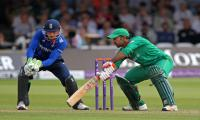 Sarfraz ton helps Pakistan reach 251 against England