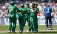 England bat against Pakistan in 3rd ODI