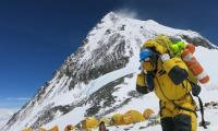 Indian climbers banned from Nepal over fake Everest photos