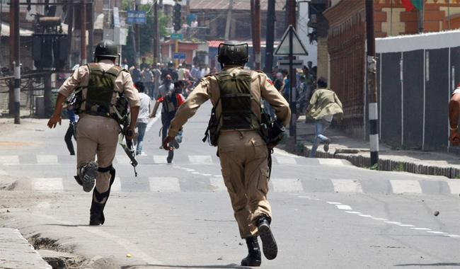 38 Kashmiris martyred in IoK in August