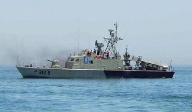 Iranian naval ships arrive in Karachi