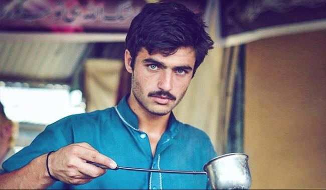 Pakistan´s ´cat-eyed´ tea seller sparks national soul searching
