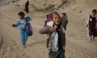 Thousands of Iraqis fleeing Mosul arrive in Syria
