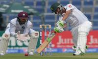 Younis, Misbah take Pakistan to 205-3 at tea