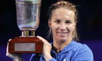 ´Worn out´ Kuznetsova retains Moscow title