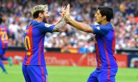 Messi penalty snatches thrilling Barca win