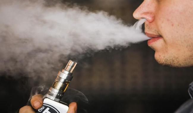 E-cigarettes could be used to help combat obesity in smokers trying to quit