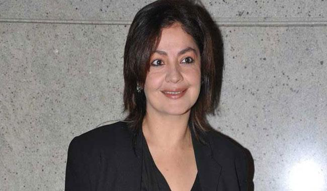 Pooja Bhatt arrives in Pakistan