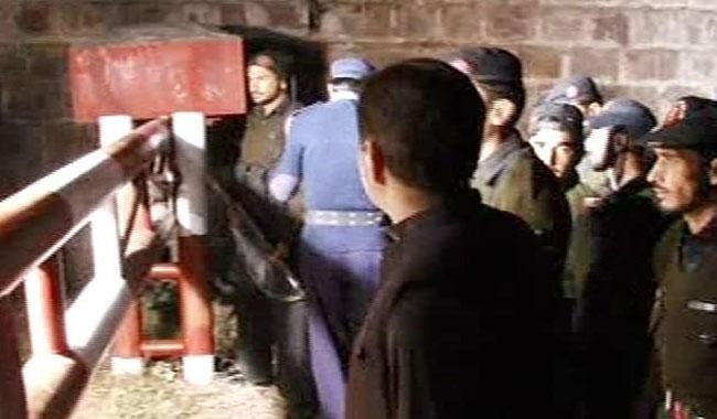 Imran weighs options as police, FC surround Bani Gala residence