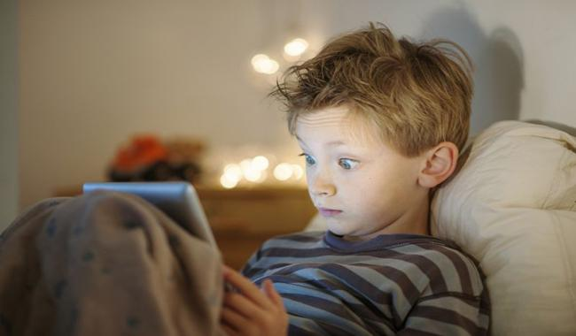 Screen time, phone use linked to less sleep for teens
