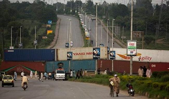 Islamabad: Containers placed in Red Zone