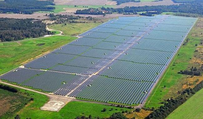 Pakistan setting up world's biggest solar park